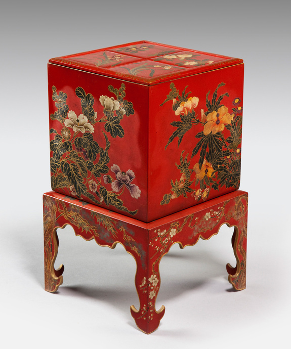 An unusual Meiji period Japanese red lacquer box. Large Image 1
