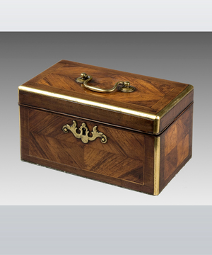 A Chippendale period kingwood veneered and purpleheart crossbanded tea caddy.