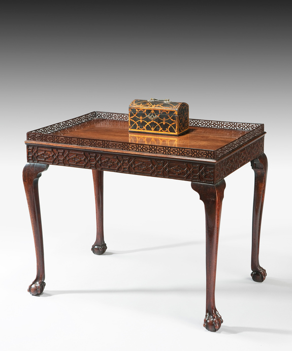 A fine Chippendale period mahogany silver table. Large Image 1