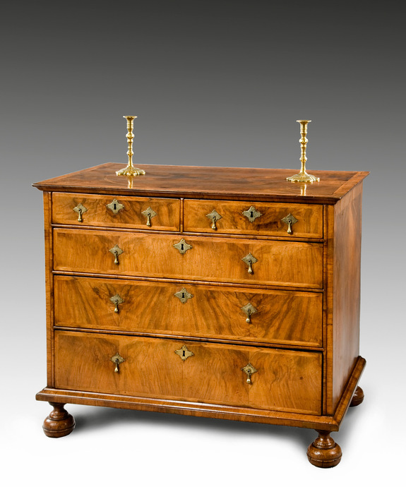 A Queen Anne period walnut veneered chest. Large Image 1