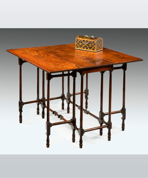 A fine George III period mahogany spider table.