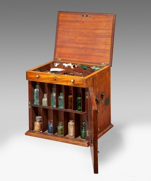 A Georgian apothecary's cabinet