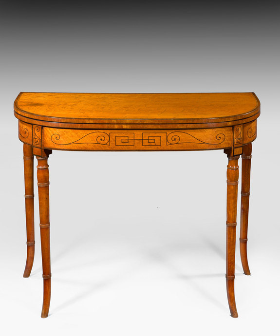 An elegant Sheraton period satinwood veneered tea table. Large Image 1
