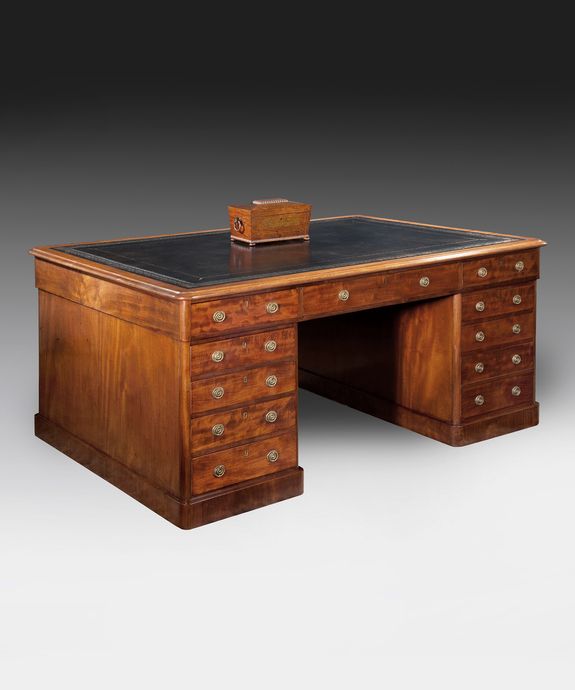 A good mid 19th Century fiddleback mahogany veneered partners desk. Large Image 1