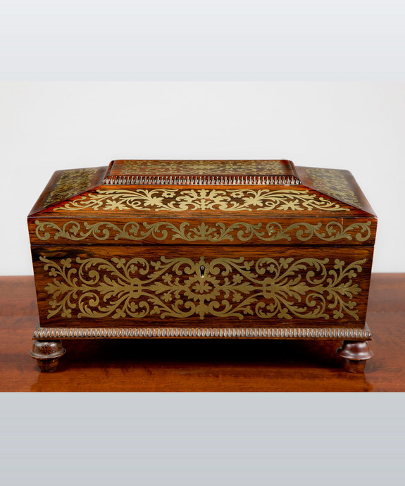 A Regency period rosewood veneered and brass inlaid jewellery box. Large Image 1