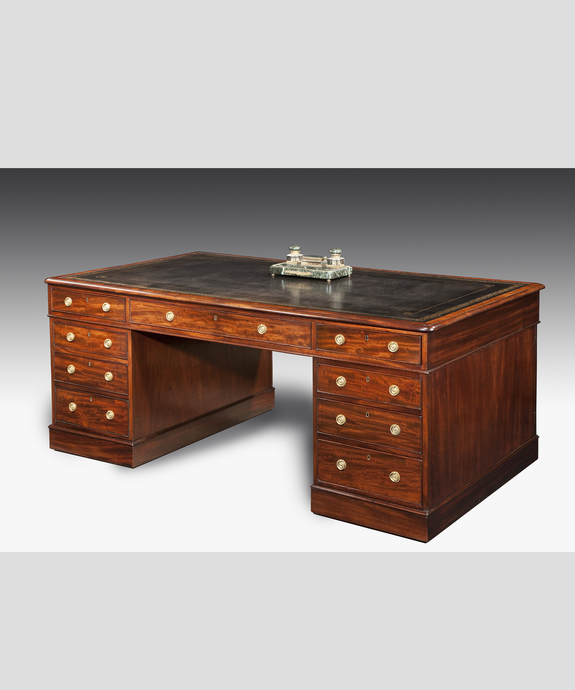 A fine early 19th Century mahogany partners' desk. Large Image 1