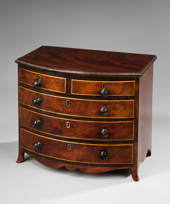 A superb Regency period mahogany miniature chest. Large Image 1
