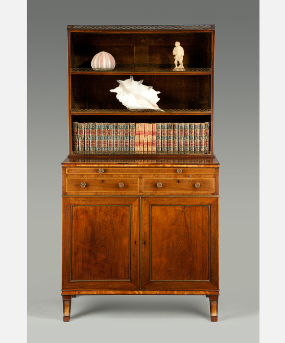 An elegant George III period rosewood veneered cabinet. Large Image 1