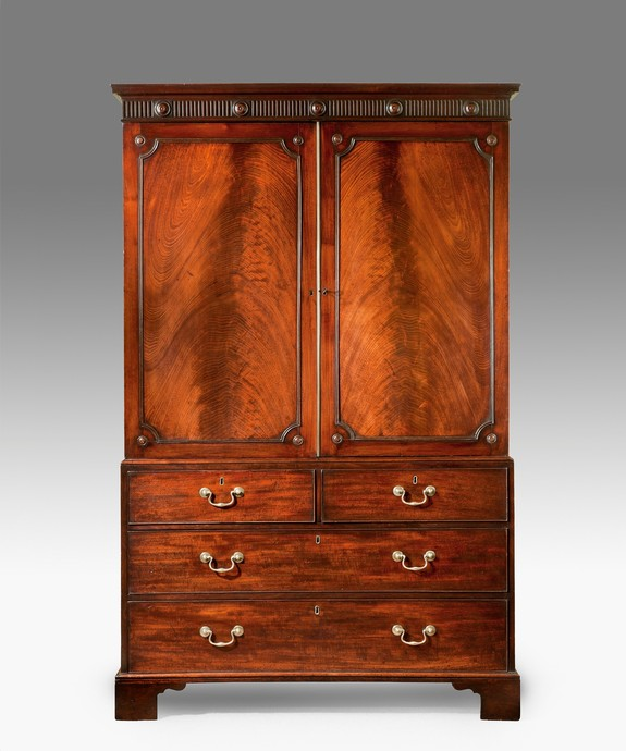 A fine Chippendale period mahogany linen press Large Image 1