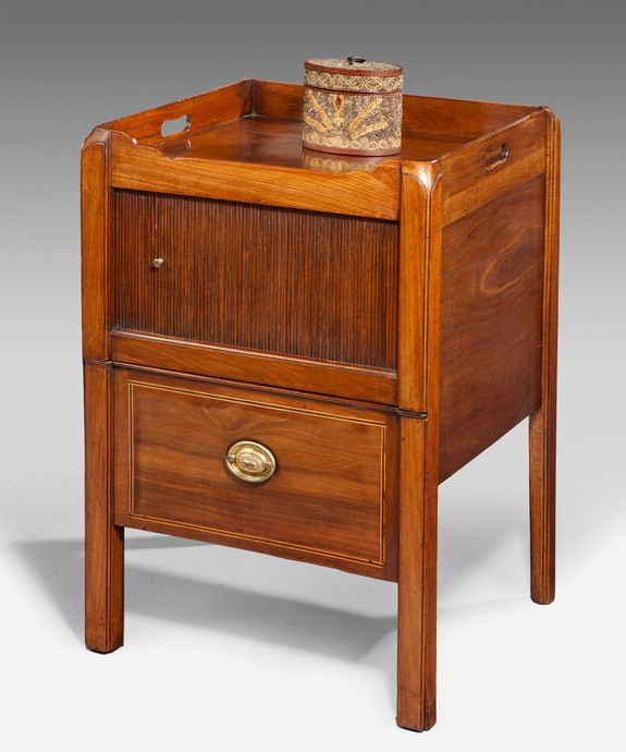 Sheraton mahogany tray top commode