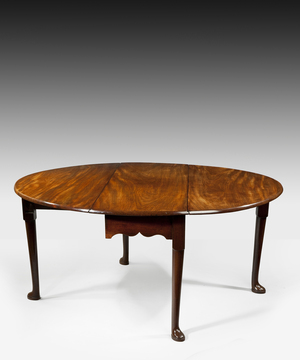 A George II mahogany dining table.