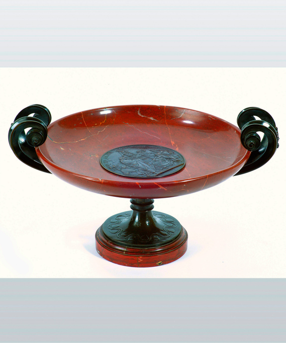 A fine bronze and rouge marble Grand Tour tazza. Large Image 1