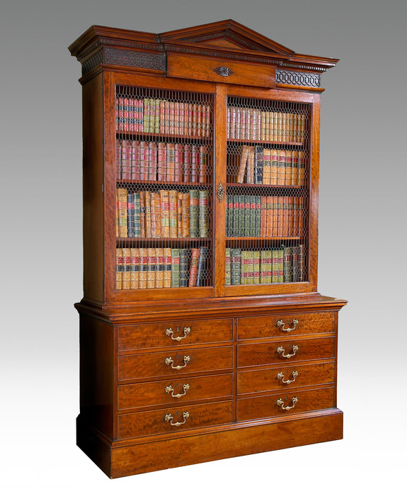 An exceptional Chippendale period architectural cabinet. Large Image 1