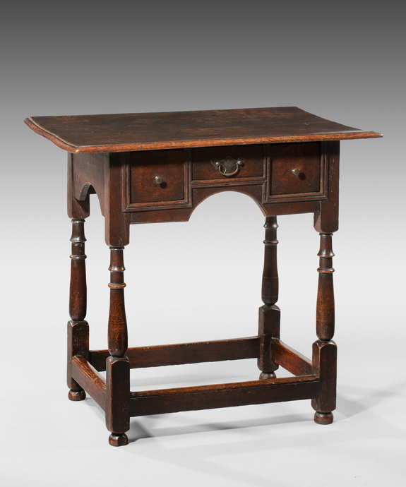 A charming Queen Anne period oak sidetable. Large Image 1