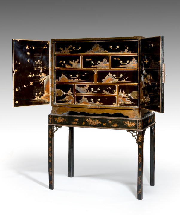 Antique lacquer and japanning reindeer antiques for Lacquered furniture