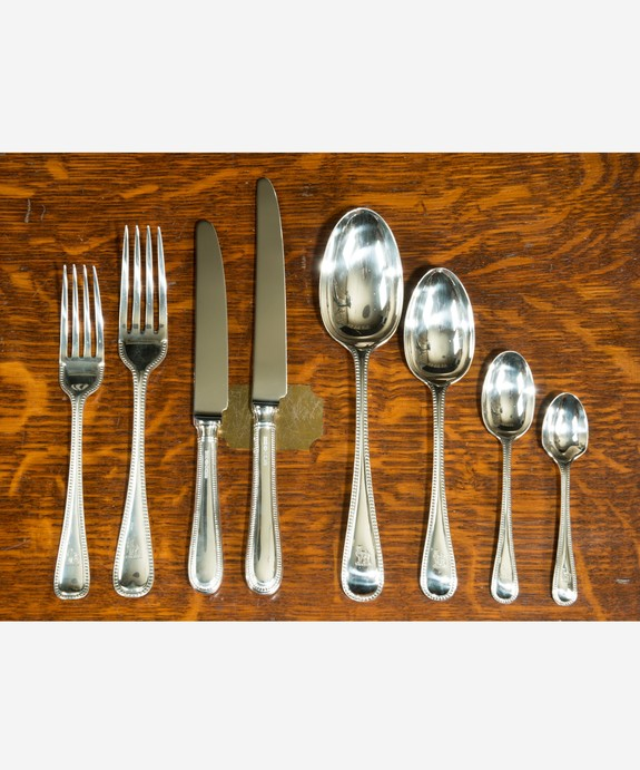 Antique canteen of cutlery in silver