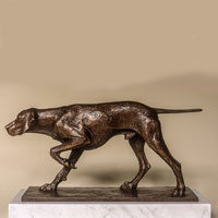 Sculpture of a pointer dog in bronze