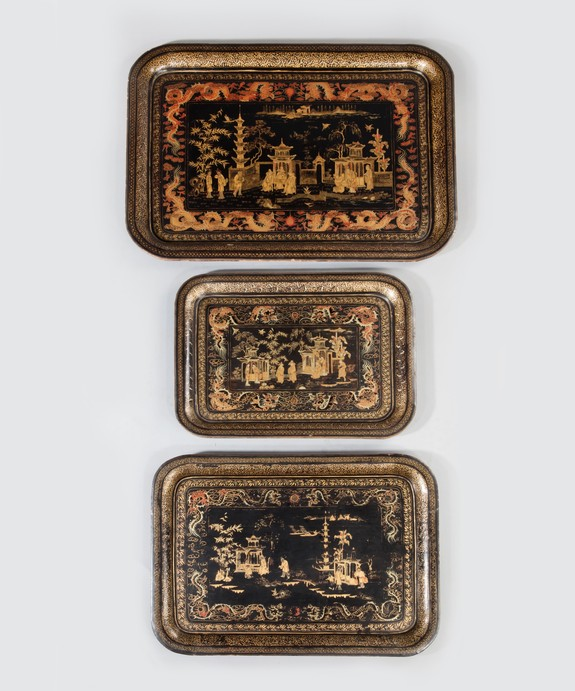 Set of three Chinese export trays.