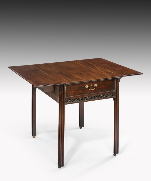 Antique Georgian mahogany pembroke table