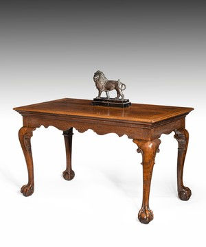 George II carved oak centre/ writing table