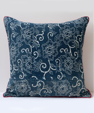 Square cushion with antique Japanese indigo fabric