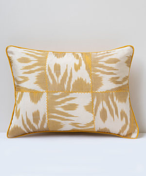 Small rectangular cushion in yellow coffee ikat