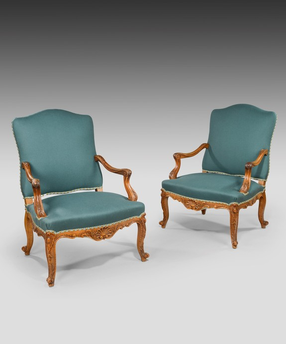 Antique pair armchair in Louis XV style