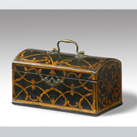 A rare Chippendale period japanned domed top tea caddy. Thumbnail 1