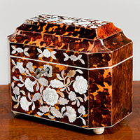 A Regency period tortoise shell tea caddy. Thumbnail 1