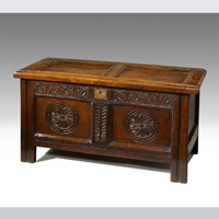 A good 17th Century oak coffer. Thumbnail 1