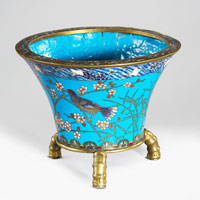 A Japanese Meiji period cloisonne enamel bowl on bronze feet. Thumbnail 1