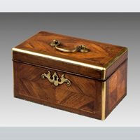 A Chippendale period kingwood veneered and purpleheart crossbanded tea caddy. Thumbnail 2