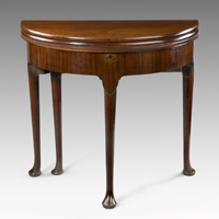 A good George II period triple-top mahogany card table. Thumbnail 2