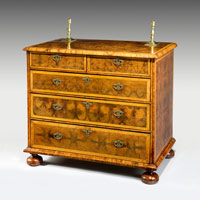 A fine Queen Anne period oyster veneered chest of drawers. Thumbnail 2