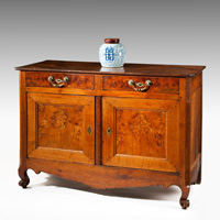 An 18th Century elm and chestnut buffet.