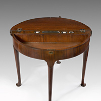A good George II period triple-top mahogany card table. Thumbnail 3