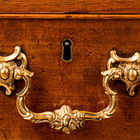 An exceptional Chippendale period architectural cabinet. Thumbnail 3