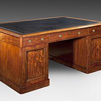 A good mid 19th Century fiddleback mahogany veneered partners desk. Thumbnail 3