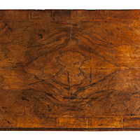 A superb George I period veneered walnut chest of small proportions. Thumbnail 3